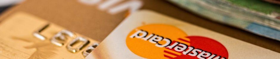 Karta kredytowa - czy warto ją mieć i do czego służy?